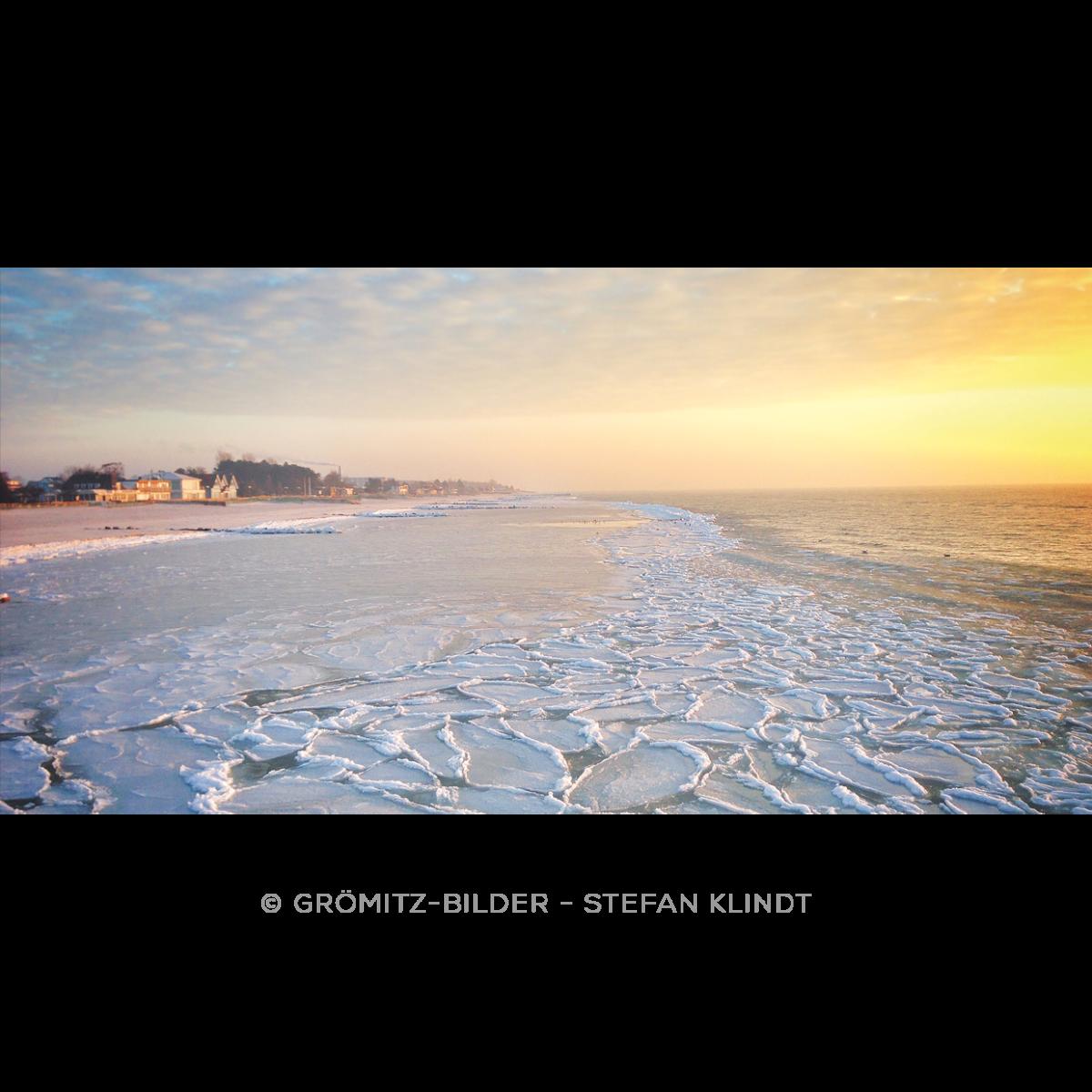122 Grömitz Bilder - Zufrierende Ostsee bei Sonnenaufgang
