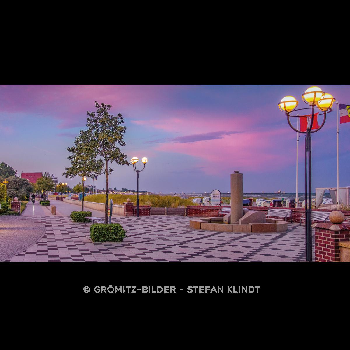 084 Grömitz Bilder - Sommerabend-Flair an der Promenade